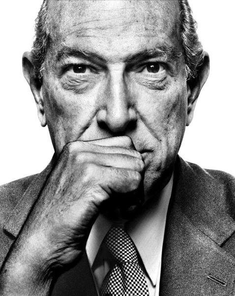 Now this is a bloody good interview! The One And Only Oscar De La Renta.