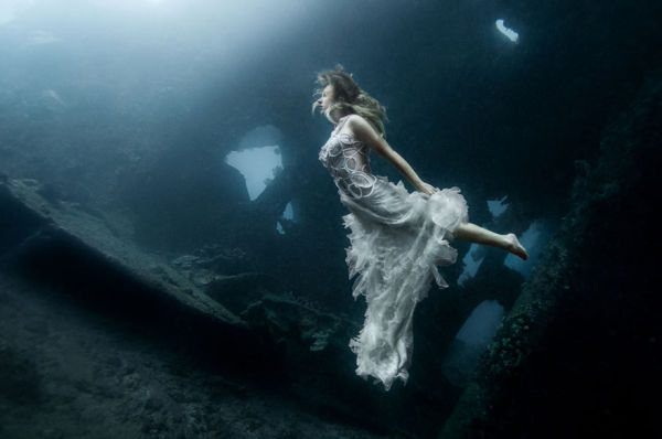 Models Push Themselves To The Limit By Diving 25 Metres To Shoot In Bali Shipwreck. Unbelievable Results!