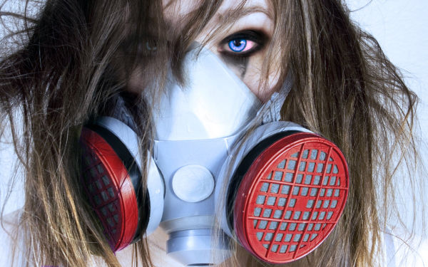 gas_mask_girl_by_aduuro-d3a41b5 2